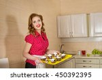 Small photo of Ideal missus makes cakes