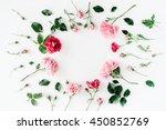 Round Frame Wreath Pattern Wit...
