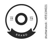 Minimal Letter O Logo. Vintage...