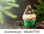 Christmas Vanilla Cupcakes Wit...