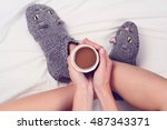 woman wearing cozy warm wool... | Shutterstock . vector #487343371