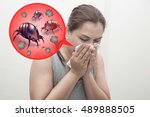 Woman sneeze rashes  allergy to ...