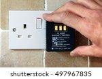 uk 13 amp socket tester showing ...