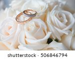 Wedding Rings With Rose Flowers ...
