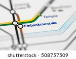 Embankment Station. Circle Lin...