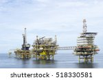 offshore oil and gas rig... | Shutterstock . vector #518330581