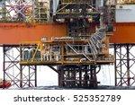 offshore oil rig drilling... | Shutterstock . vector #525352789