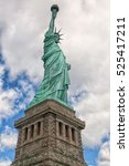 statue of liberty with base...   Shutterstock . vector #525417211