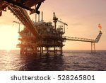 offshore construction platform... | Shutterstock . vector #528265801