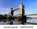 tower bridge on sunny day ... | Shutterstock . vector #528522355