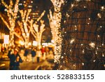 christmas lights on the tree.... | Shutterstock . vector #528833155