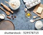 baking background with eggshell ...   Shutterstock . vector #529578715
