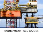 offshore oil rig drilling... | Shutterstock . vector #532127011