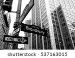 broadway arrow one way black