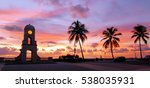 Sunrise On Palm Beach Island ...