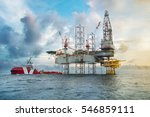 oil and gas drilling rig work... | Shutterstock . vector #546859111