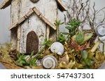 Miniature Birdhouse With Snails ...