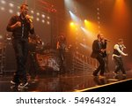 Постер, плакат: Backstreet Boys perform at