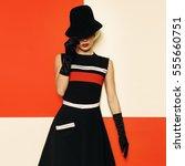 lady retro style cabaret... | Shutterstock . vector #555660751