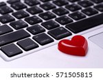 red heart on laptop love online ... | Shutterstock . vector #571505815