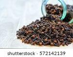 dry cloves   Shutterstock . vector #572142139