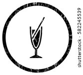 cocktail grainy textured icon... | Shutterstock .eps vector #582245539