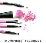 cosmetic powder brush circle... | Shutterstock . vector #582688231