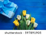 Spring Tulip Flowers And Gift...