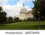 Stock photo washington dc capitol building with green lawn 60078496