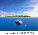 Big Safari Luxury Yacht Sailin...