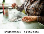 the woman having rheumatoid...   Shutterstock . vector #614595551