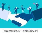 caute cartoon businesspeople... | Shutterstock .eps vector #620332754