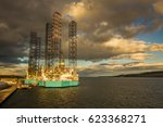 jack up rigs in dundee harbor... | Shutterstock . vector #623368271