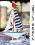 Small sail boat home table decoration toy