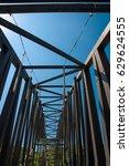 structure of iron bridge | Shutterstock . vector #629624555