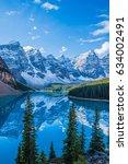Moraine Lake  Rocky Mountains ...