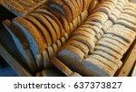 bread slice   Shutterstock . vector #637373827