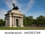 wellington arch  also known as...