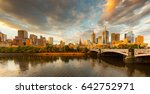Melbourne City  Yarra River ...