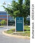 patient parking sign. a sign...   Shutterstock . vector #650314114