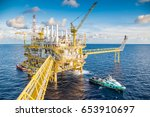 offshore oil and gas business ... | Shutterstock . vector #653910697