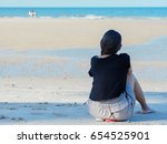 activity at the beach | Shutterstock . vector #654525901