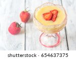 sabayon with strawberry slices... | Shutterstock . vector #654637375