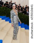 cara delevingne attends the...