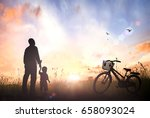 father day concept  silhouette...   Shutterstock . vector #658093024