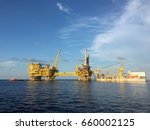 full view of an offshore... | Shutterstock . vector #660002125