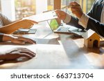 Business Signing A Contract Bu...