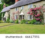 Traditional English Cottage An...
