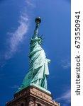 statue of liberty statue of... | Shutterstock . vector #673550941