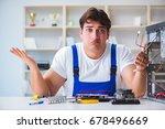 computer repairman repairing... | Shutterstock . vector #678496669
